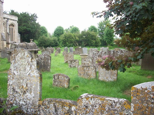 Burford churchyard
