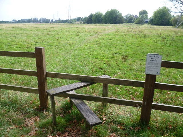 Stile on to Shortwood Common