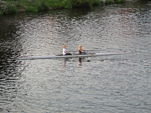 Sculling towards Trent Bridge