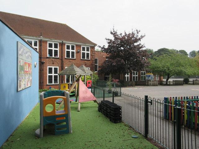 Whyteleafe School