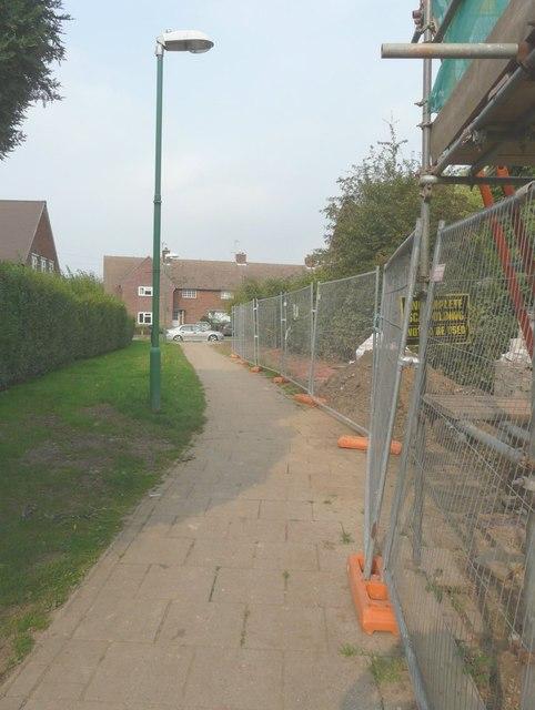 Path between Bridge Street and Churchfield Way