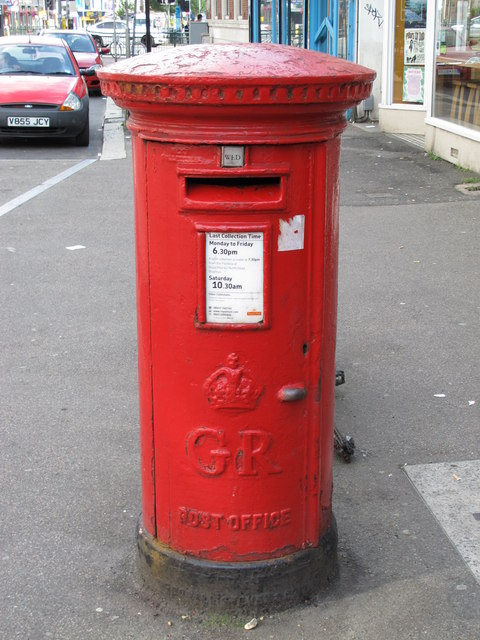 George V postbox, Preston Road, BN1