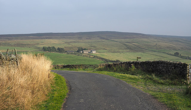 Bend of minor road north of Garret's Hill