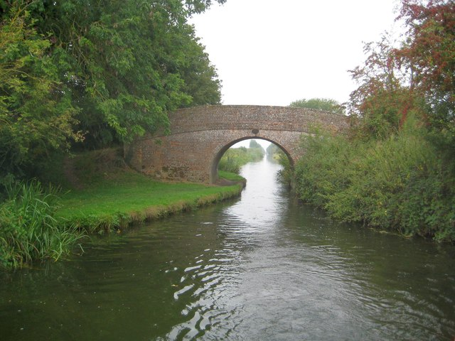 Grand Union Canal: Aylesbury Arm: Bridge No 6
