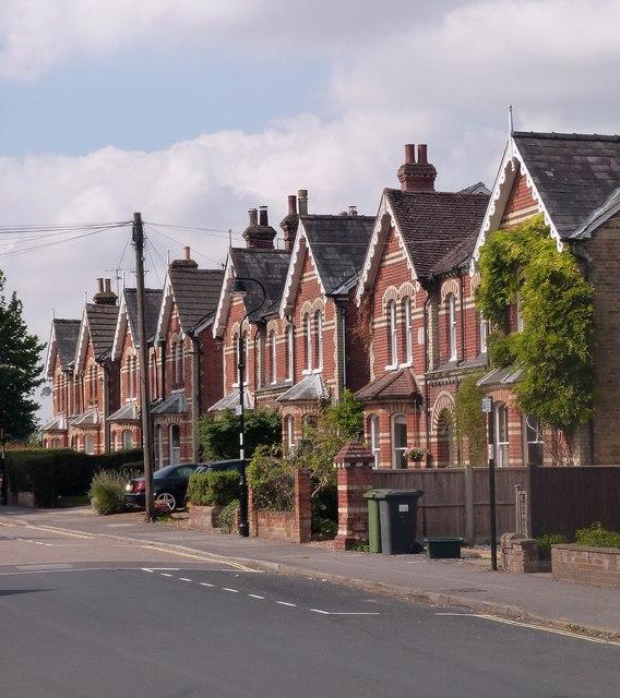 Victorian semi-detached villas, Fairfields Road