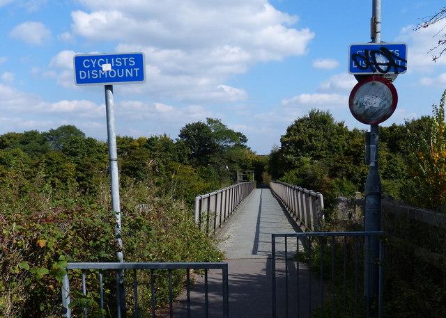 Footbridge across the M1 motorway
