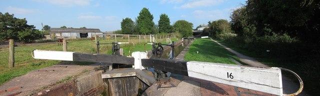 Lock 16, Worcester & Birmingham Canal