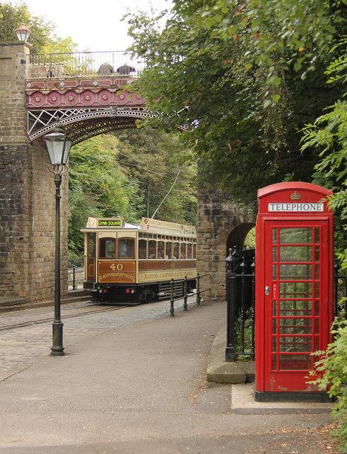 Blackpool and Fleetwood 'Box' 40 passing under the Bowes Lyon Bridge