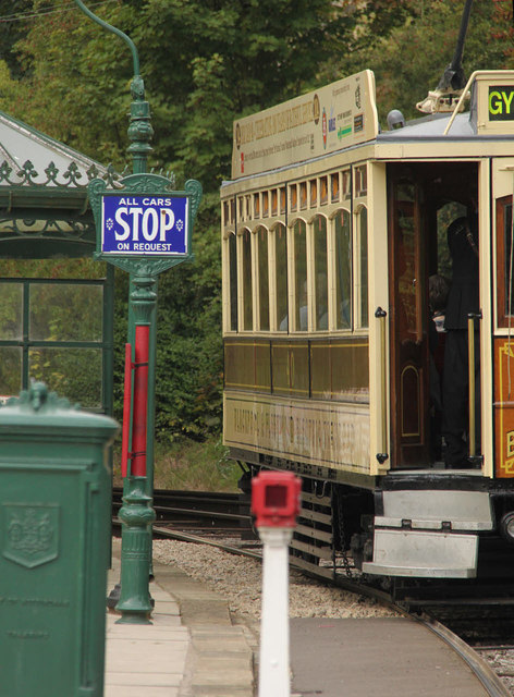 Blackpool and Fleetwood 'Box' 40 at the Victoria Park stop