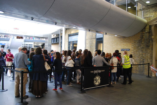 Queueing in front of the Harry Potter Platform, King's Cross