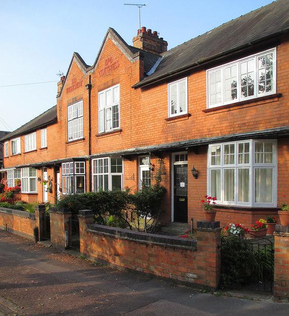 Ruddington: Wheatsheaf Cottages on a September morning