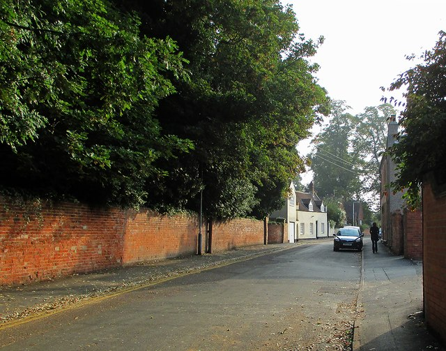 Ruddington: a September morning in Vicarage Lane