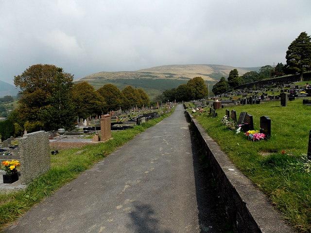 Path through the eastern edge of Gelliron Cemetery, Pontycymer