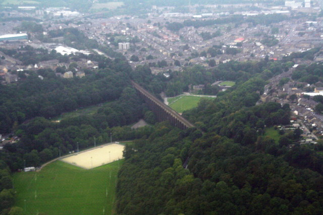 A glimpse of the Lockwood Viaduct: aerial 2014