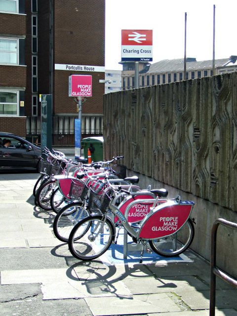 Nextbike Glasgow cycle hire point: Charing Cross railway station