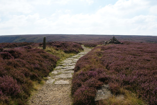 Boundary stone and cairn by the Cleveland Way