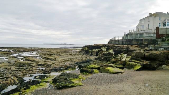 South shore outside the breakwater pier at Amble