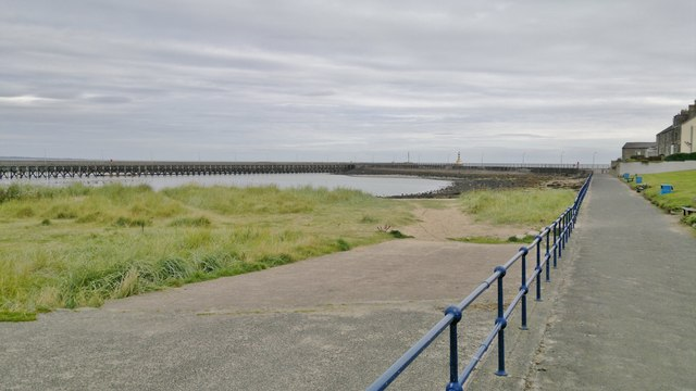 South Pier and jetty from Bayview, Amble