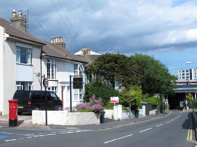 Old Shoreham Road, BN1 (2)