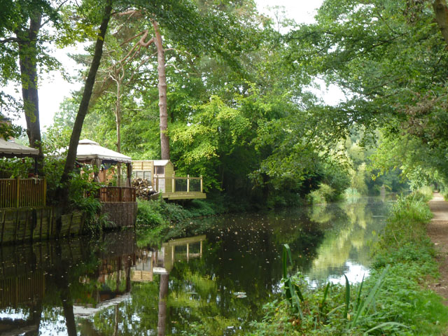 Basingstoke Canal, Brookwood