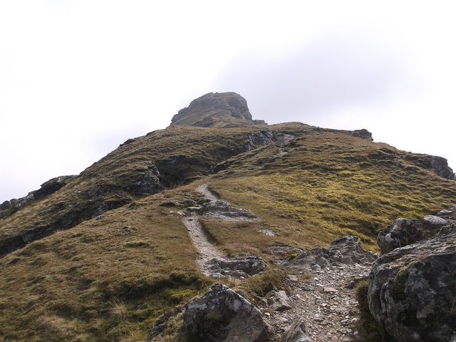 Towards the summit of An Caisteal