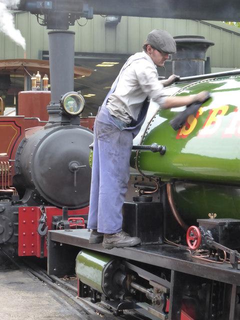 Statfold Barn Railway - engine cleaning