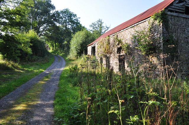 Mid Devon : Farm Track & Barn