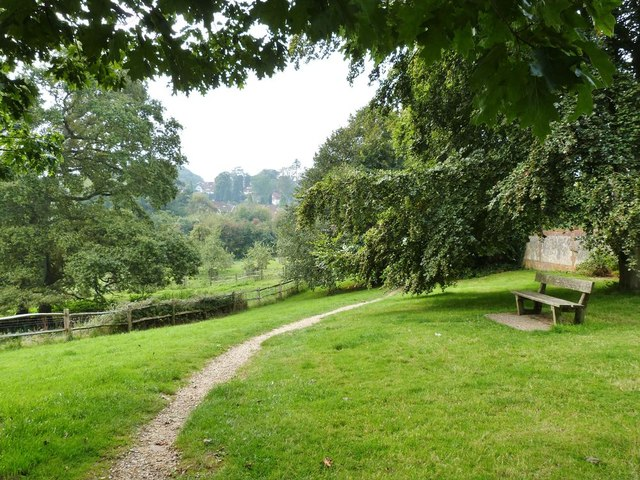 Footpath through Swan Barn Farm, Haslemere