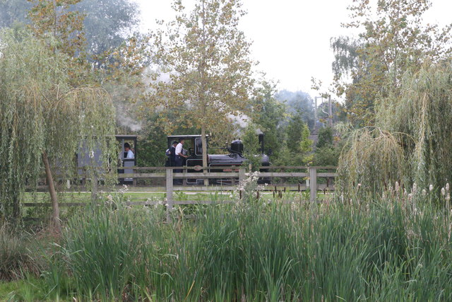 Statfold Barn Railway - across the pond