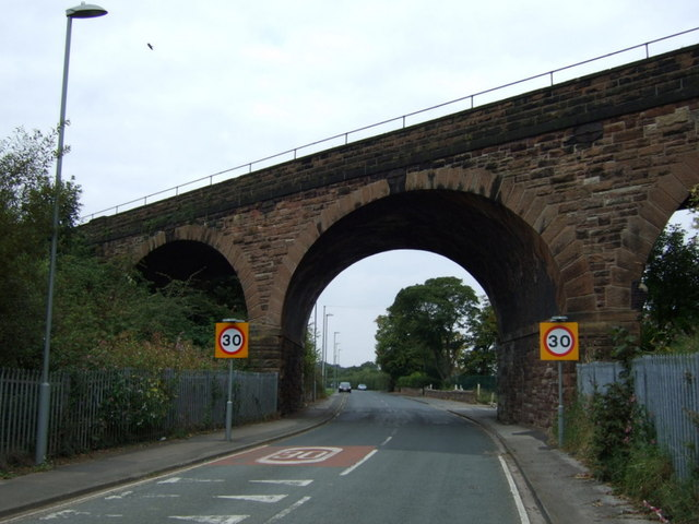 Railway bridge over Lower Road