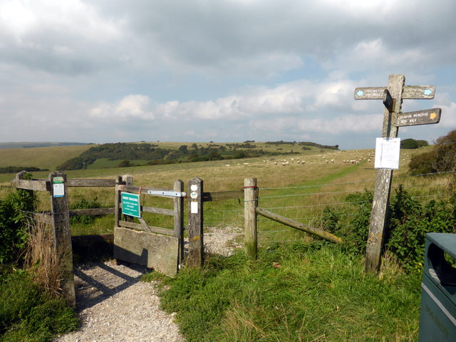 Stile at footpath junction at Butts Brow