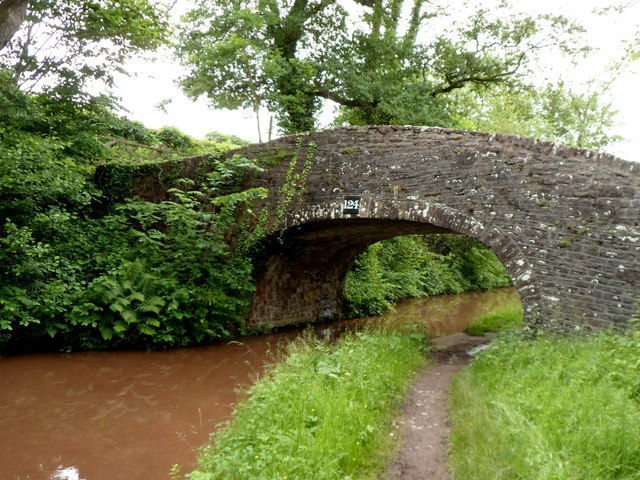 East side of Mon & Brec canal bridge 124 near Cwm Crawnon Road