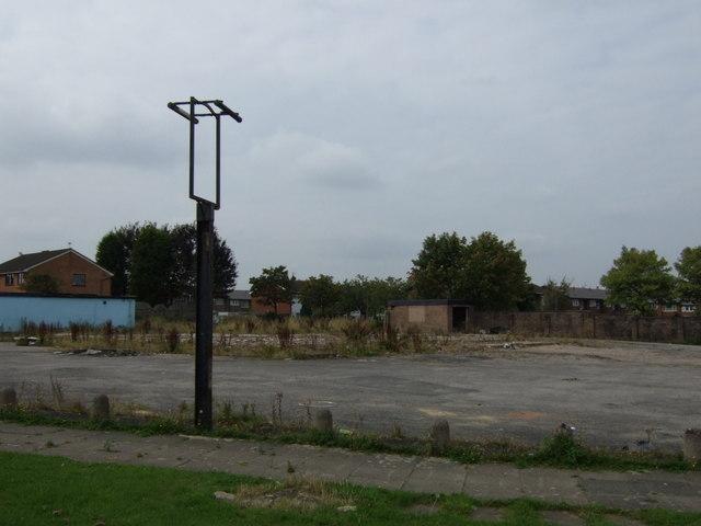 Sad remains of a pub, Sutton Heath