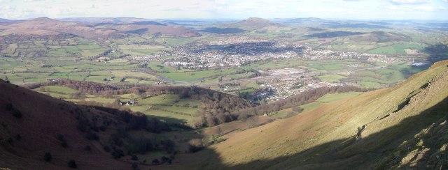 Panoramic view over Abergavenny from the lip of Blorenge