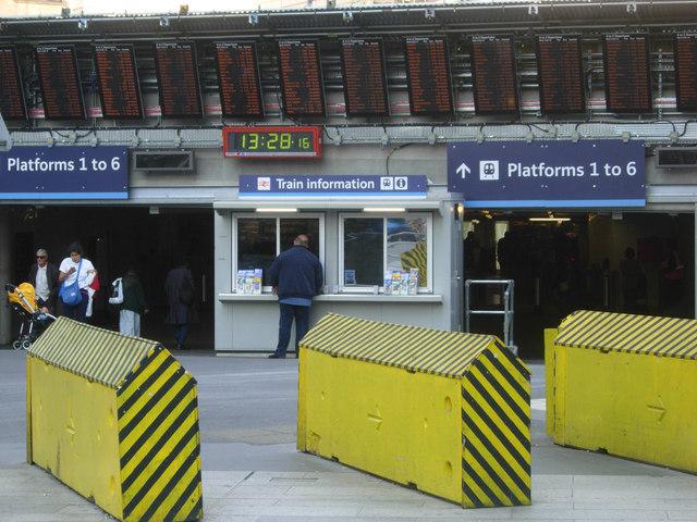 Entrance to platforms 1-6, London Bridge