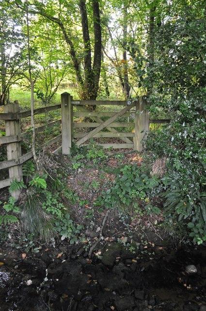 Mid Devon : Path & Gate