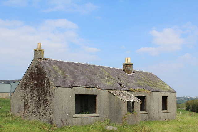 Derelict cottage south of High Craig Farm