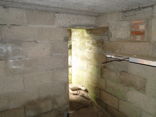Suffolk Square pillbox, interior view, the doorway