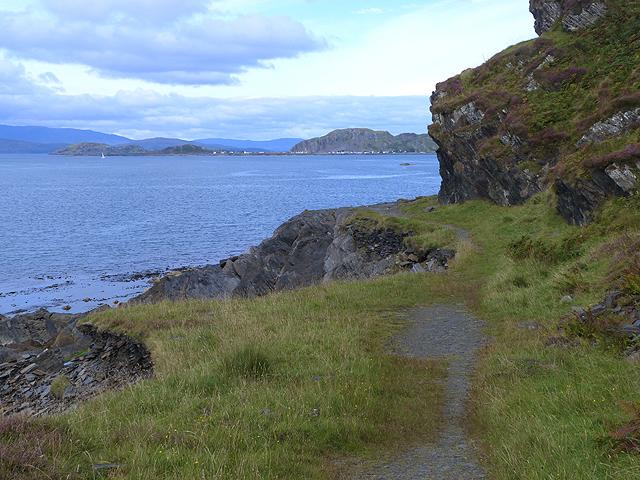 Path north of Cullipool