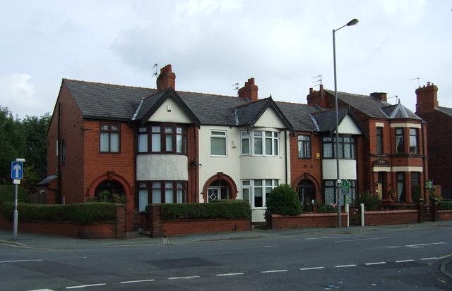 Houses on Dentons Green Lane