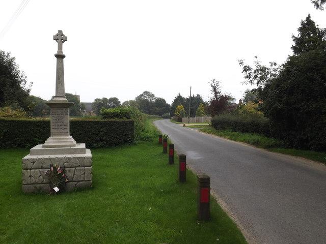 Seething Street & Seething War Memorial