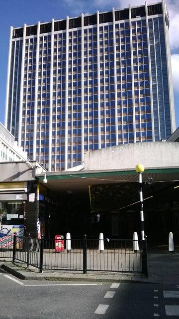 Croydon: St George's Walk shopping centre
