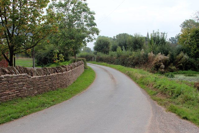Lane past Pound Farm
