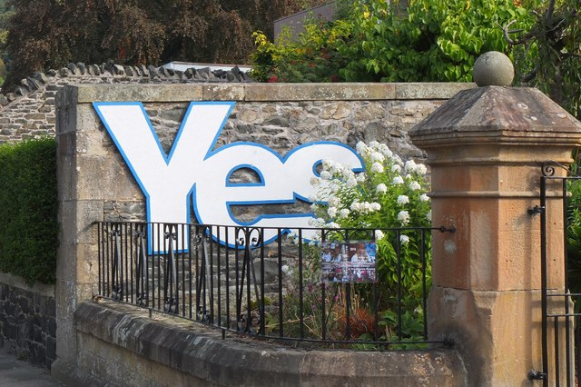 'Yes' sign in Northgate, Peebles