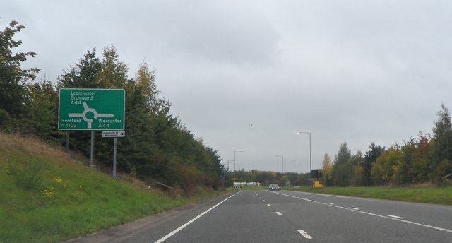 On Grove Way approaching the roundabout