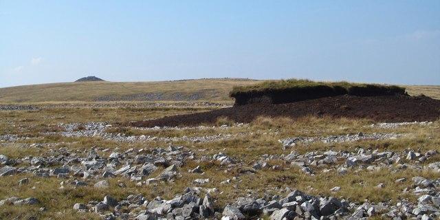 Isolated peat hag on the moortop