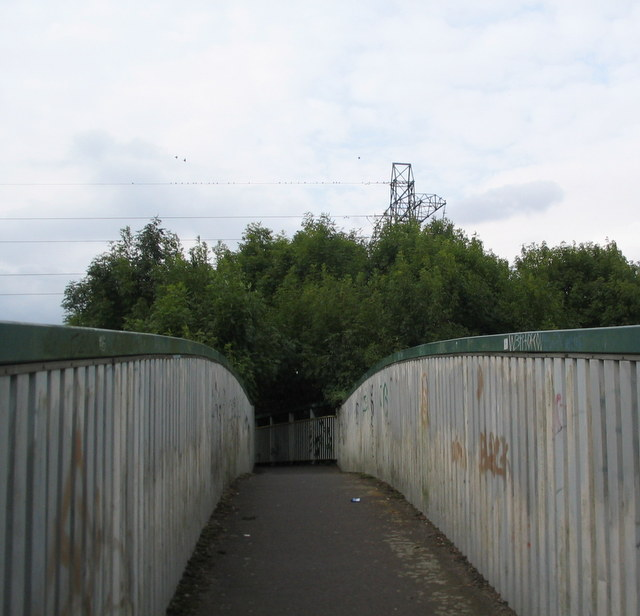 Footbridge, Beechwood Avenue