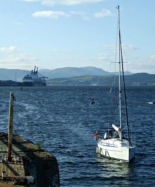 Yacht entering James Watt Dock