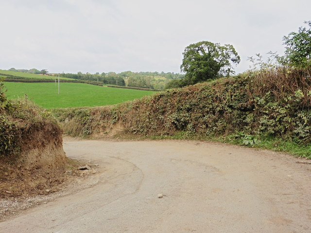 Sharp bend in the road, midway between Avonwick and Rattery