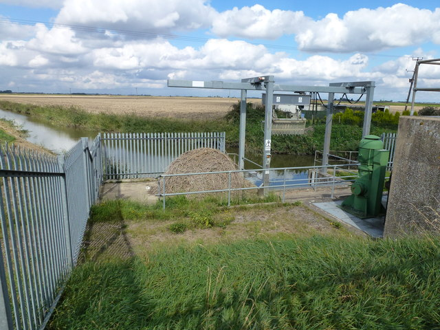 Rubbish grab - Staffurth's bridge pumping station
